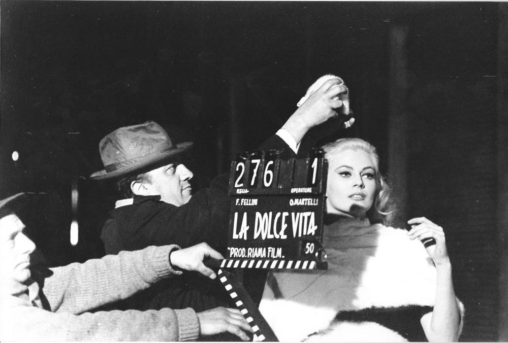 """Federico Fellini et Anita Ekberg, tournage de """"La Dolce Vita"""""""